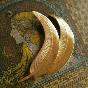 Vintage Miriam Haskell leaf brooch pin signed gold